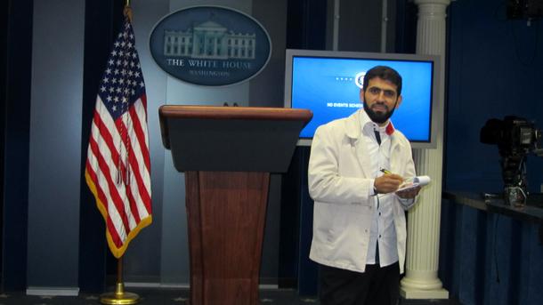 داخل غرفة النشر الإعلامي  briefing room التابعة للبيت الأبيض أثناء رحلتي إلى واشنطن - الولايت المتحدة الأمريكية