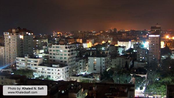 غزة ليلاً.. سحر وهناء
