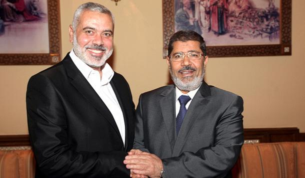 لقاء الرئيس المصري د. محمد مرسي ورئيس الوزراء الفلسطيني إسماعيل هنية