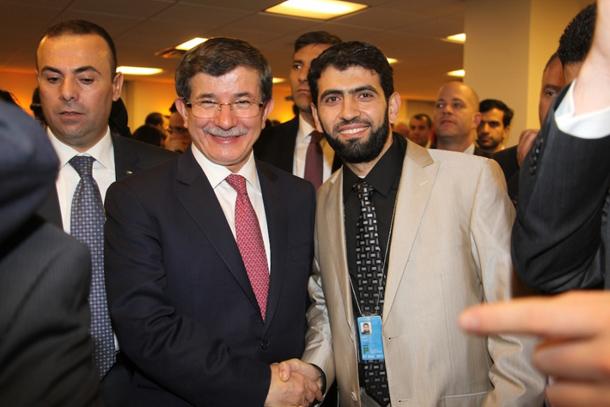 مع وزير الخارجية التركي (أبو داود) كانت أمسية جميلة تحدث فيها عن زيارته لغزة وحمّلته أمانة يسلم على (أبو بلال) ويحكي له أهل غزة مشتاقين يشوفوه