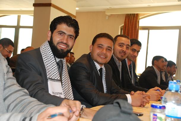 عضوية نقابة الصحافيين الفلسطينيين، في الصورة من اليمين إسلام صقر - خليل أبو شعبان - وائل جروان
