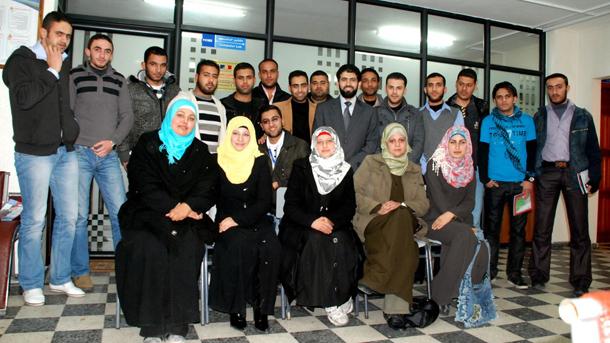 دورة تدريبية على وسائل الإعلام الجديد - تنفيذ جمعية الوداد للتأهيل المجتمعي - غزة يناير 2102
